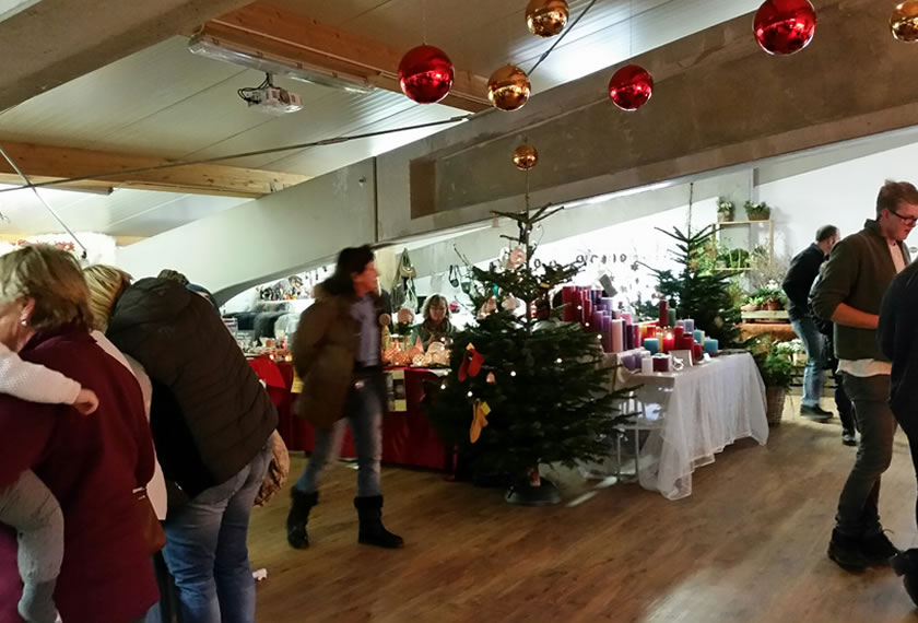 Adventsmarkt in Högering