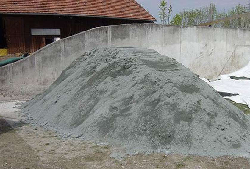 Remineralisierung des Bodens mit Diabassand