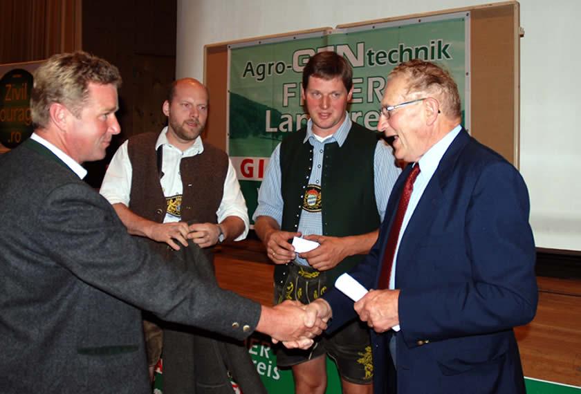 Percy-Schmeiserr-Weilheim--Dank-Zvilcourage-AG-gegen-Agrogentechniki