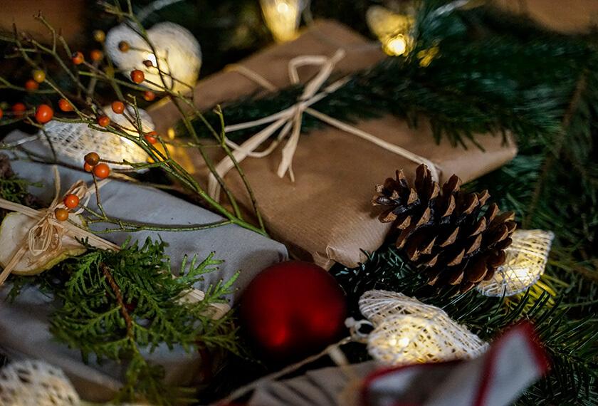 Weihnachtsgeschenke nachhaltig und kreativ gestalten – 5 Tipps für Freude ohne Reue